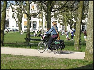 /images/stories/20090528_ZdzieckiemNaRowerze/fot_05_640_img_4984_DzieckoNaKierownicy.jpg