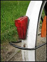 images/stories/20070621_RowerHolenderski/640_fota26_ZabezpieczenieLampki2.jpg