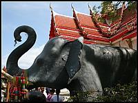 images/stories/20080503_Tajlandia_Sobota/640_Fot128_img_2809_PrzySwiatyni_1.jpg