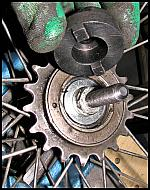 images/stories/20120522_WolnobiegJednorzedowy/640_IMG_6559_KluczDoOdkrecaniaWolnobiegu_v1.JPG
