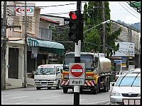 images/stories/20080428_Tajlandia_Poniedzialek/640_Fot14_IMG_8802_sygnalizator_lewy.JPG