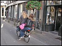 images/stories/20121009_Holandia/640_IMG_8078_DziewczynyNaRowerze_v1.JPG